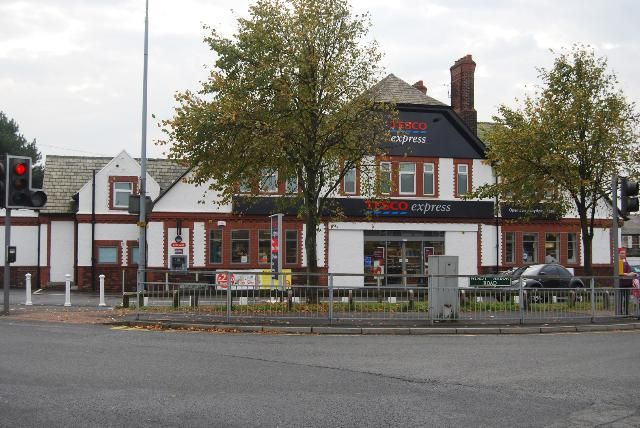 The Horseshoe Hotel,Windy Arbor Road. Whiston now a Tesco store.