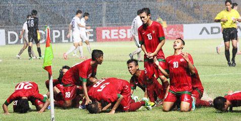 Kesampingkan Uji Coba, Timnas U-19 Fokus TC -   Timnas Indonesia U-19 © Eggi Paksha    Bola.net – Tim nasional Indonesia U-19 dijadwalkan menjalani training centre (TC)/pemusatan latihan jangka panjang tahap pertama di Kota Batu, Malang, Jawa Timur. TC yang akan diikuti sebanyak 40 pemain tersebut, dipastikan berlangsung selama dua ... - http://www.technologyka.com/indonesia