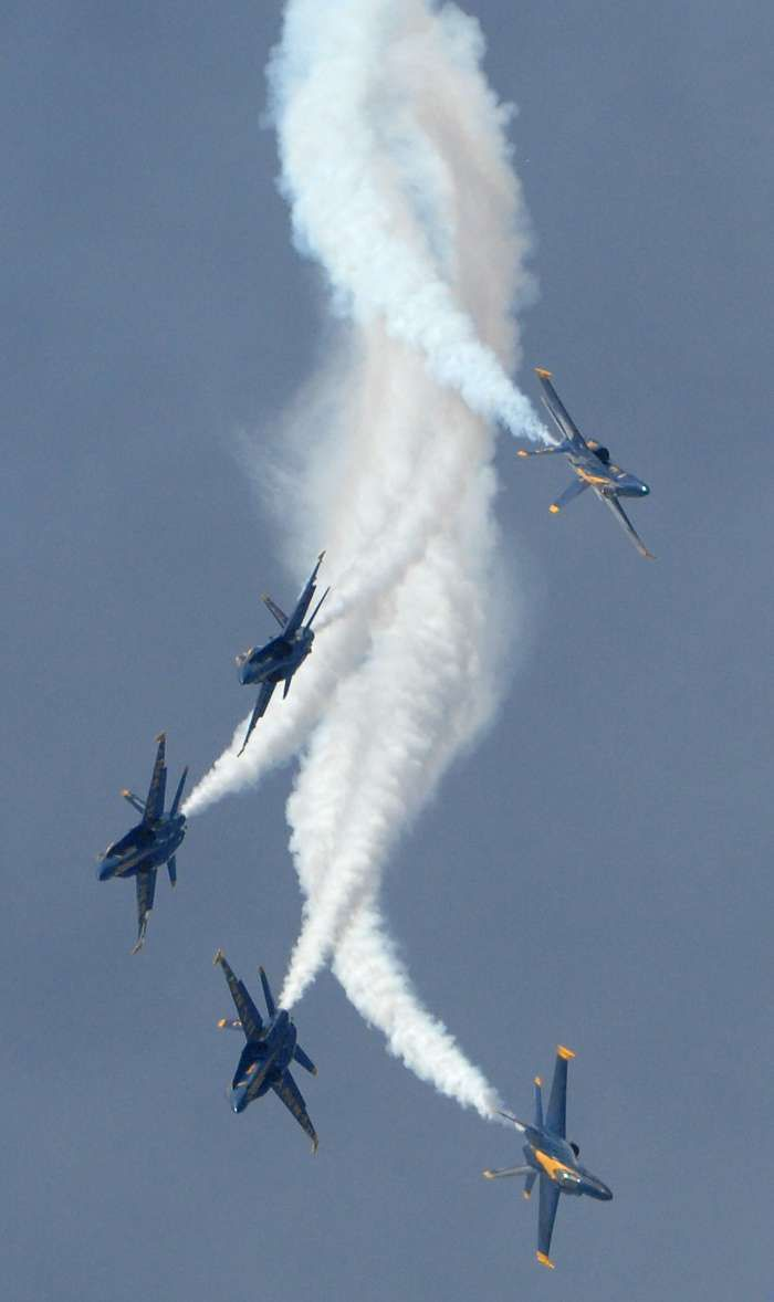 U.S. Navy Blue Angels - F-18 Hornets - I saw these guys perform today and all I can say is INCREDIBLE!!!!