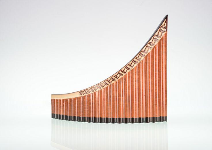 Pedra Alt Panfluit €1200,=  Esdoorn- en ebbehout. 22 pijpen, G1 - G4,
