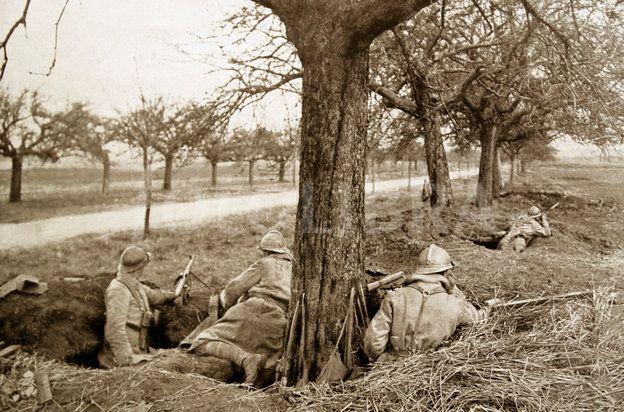 WW1. French soldiers © Fotolibra (FOT1263419)