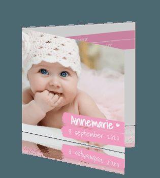 Hip foto geboortekaartje meisje met roze krijtstrepen. #geboortekaartje #babykaartje