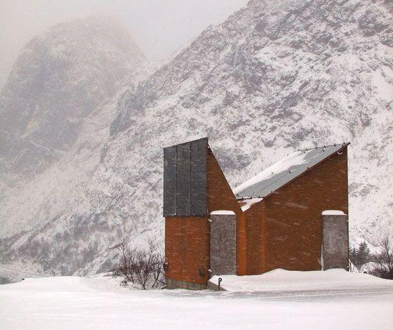 Roadside Reststop Akkarvikodden by Manthey Kula