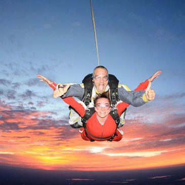 Saut en parachute tandem nevers ni vre 58 wishlist - Saut en parachute nevers ...