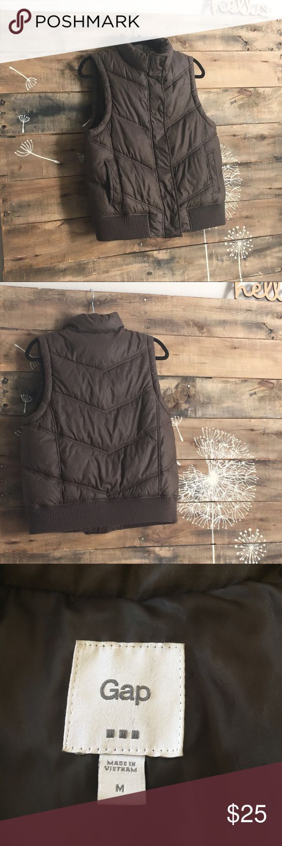 Puffer vest brown GAP brown puffer vest w zipper and snaps and elastic waist band GAP Jackets & Coats Vests