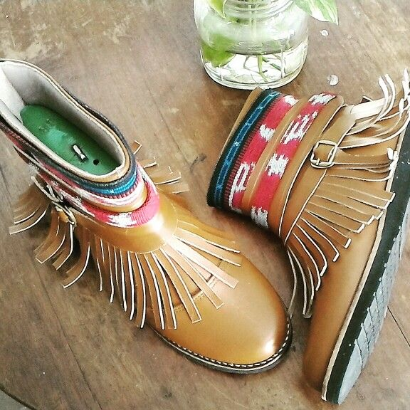 Tribal boots by d'Arcadia Treasure