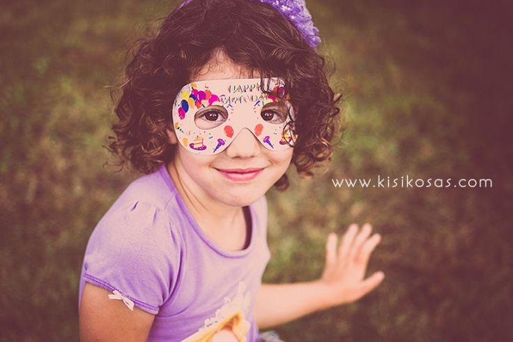 Los cumpleaños y las fiestas siempre muestran mucho color y alegría. Aprovechar estos momentos para fotografiar a los niños!