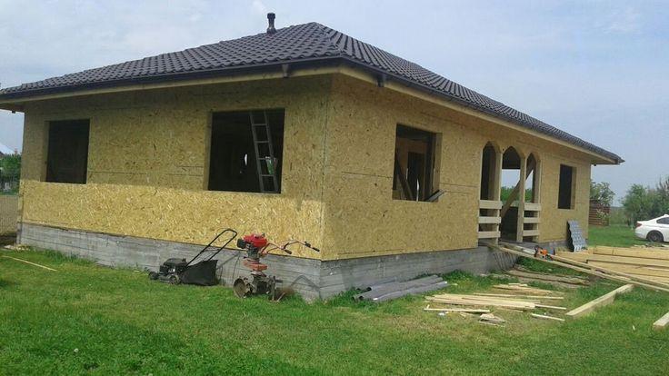 Constructii case prefabricate de lemn, la rosu -  prezentarea casei de l...