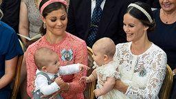 Kronprinzessin Victoria und Prinzessin Sofia mit ihren Söhnen, Oscar und Alexander © dpa-Bildfunk Fotograf: Claudio Bresciani