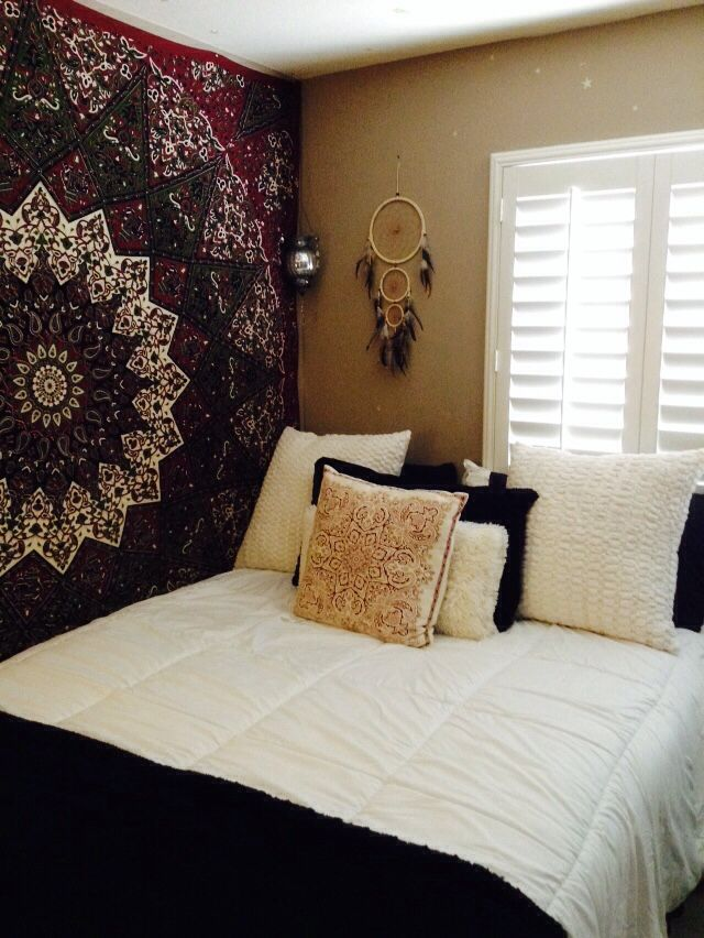 bedroom | mandala wall handing | black & white bed | dreamcatcher | I want my room like this.
