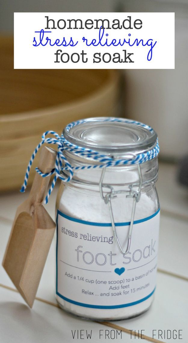 Homemade Stress-Relieving Foot Soak | Creative amd Easy Mother's Day Gifts by DIY Ready at  http://diyready.com/diy-gifts-mothers-day-ideas/