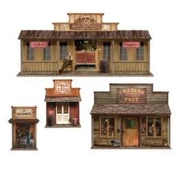 Scenesetters Wild West Town -  Vier grote wanddecoraties van een western dorp. Deze kunt u ook over de woestijn decoratie plakken om zo in de juiste sfeer te komen. Afmeting: 60cm tot 162cm. | www.feestartikelen.nl