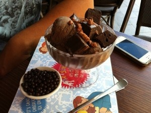 Naught treats - Chocolate Sundae with wafers etc at Max Brenner's in Broadbeach with the boys. Nom Nom Nom!  Do this every now and then... but not everyday.