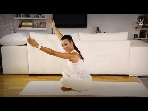 Pilates Sexy Arms: Dein Workout für schlanke Arme und eine straffe Brust - YouTube