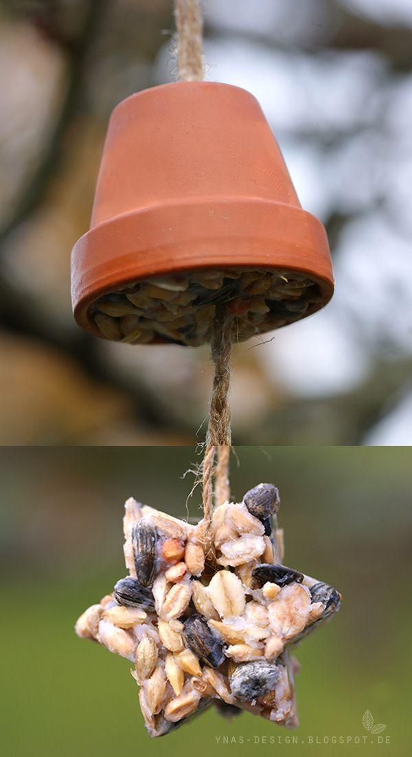 Vogelfutter. Bird Snack.