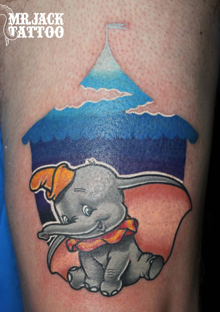 #dumbo #elefante #disney #waltdisney #circo #tatuaggi #tattoo #mrjack #mrjacktattoo #color #arte #artist #colortattoo #bodyart #mrjacktattoofamily #cartoon #tattoocartoon