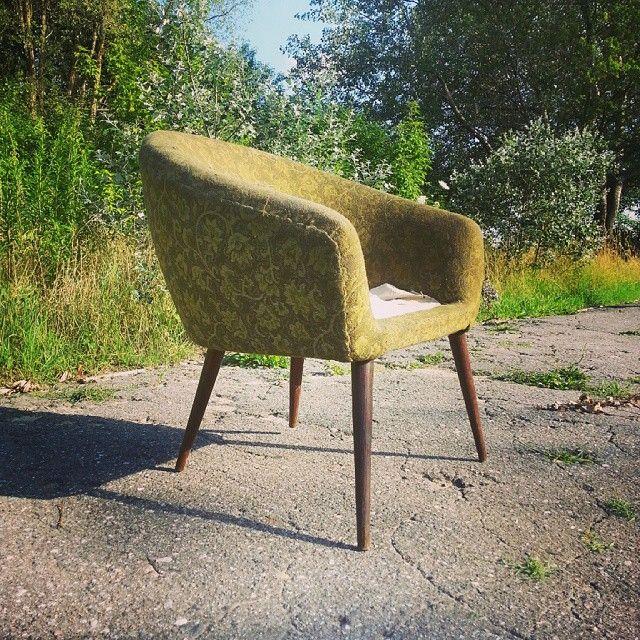 Midcentury classic  Muszelka z klubu czytelnika - typ EMIL - #vintage #interiors #industrial #design #loft #retro #vintageshop #sklepvintage #poznan #midcenturymodern #midcentury #vintagestyle #60s #lata60te #60er #chair #antiques #armchair #sessel #interiorstyling #prl #silla #stoel #wnętrza