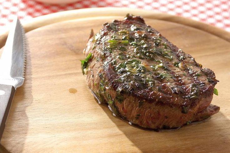 Kijk wat een lekker recept ik heb gevonden op Allerhande! Biefstuk met kruidenolie