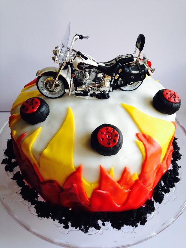 Die besten 25 Motorrad torte Ideen auf Pinterest