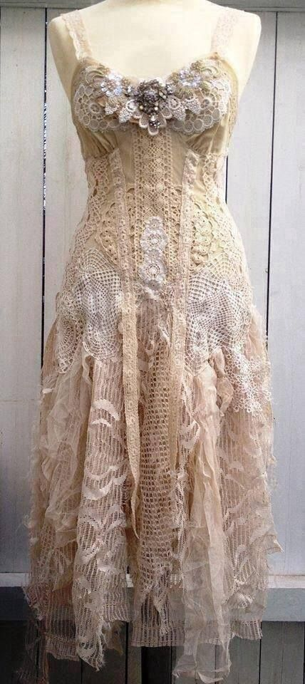 lace and shabby chic..dress.     This would be a great Wedding dress for a Boho wedding!! When Dan and I renew our vows, O may go for something like this!!