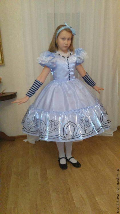 Купить или заказать Платье 'Алиса' в интернет-магазине на Ярмарке Мастеров. Платье 'Алиса' ( из фильма 'Алиса в стране чудес') - Платье ( на натуральной подкладке) - Подъюбник - Перчатки на заказ возможен любой размер. Стоимость может менять в зависимости от размера.