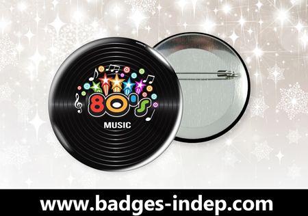 Pensez aux badges personnalisés pour vos soirées ! #badges #années80 #disco #musique #fêtes #event #anniversaire