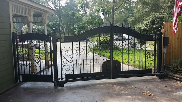 Hyde Park Drive Gate With Matching Garden Gate We Ship