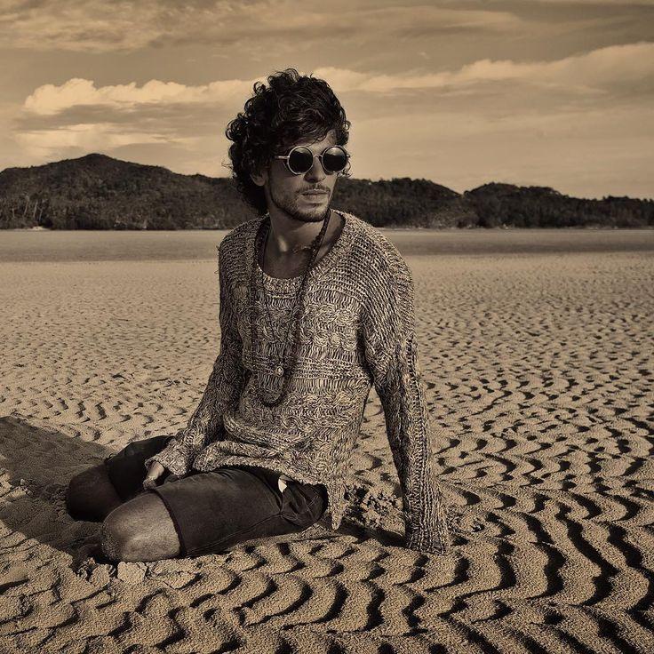 Hippie man @owlthewall ✌️#boho#hippie#gypsy#style#desert #beach#freespirit#freedom#kohphangan#island#thailand#man#model#summer#sunset#travel#photoshoot#photographer#таиланд#копанган#фотосессия#фотографпанган#хиппи#бохо#цыган#стиль#пляж#закат#остров#модель