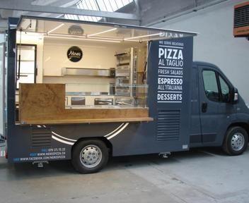 Food Truck Nero's Pizza www.vsveicolispeciali.com #vsveicolispeciali #veicolispeciali #apepiaggio #fiat500 #streetfood #torino #foodtruck #trailers #cibodistrada #rimorchio