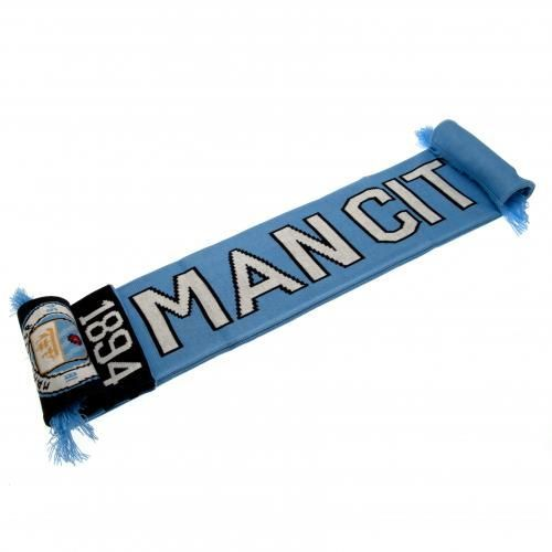 In the traditional club colours this jacquard Manchester City scarf also features the NEW club crest and Man City wording. FREE DELIVERY on all our football gifts
