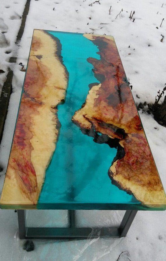 Ahorn-Epoxy-Tisch, Epoxy-Harz-Tisch, Couchtisch, gebranntes Holz, Blue transparent Epoxy Rive…