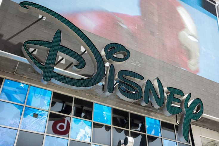 Disney stock traded down on Friday after Nielsen confirmed that the entertainment giant's highly profitable ESPN operation lost 621,000 subscribers in October. While ESPN in recent months has seen …