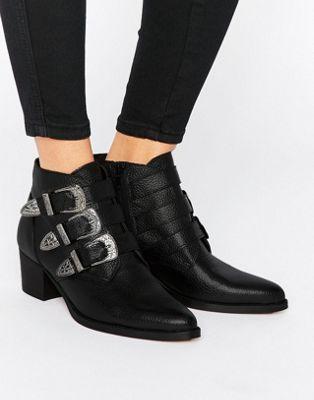 ASOS – RYDER – Ankle-Boots aus Leder mit Schnalle
