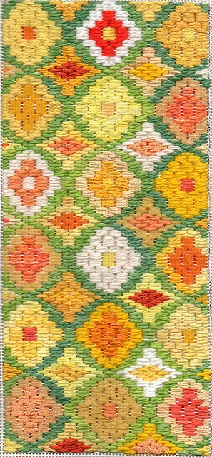 Bargello Needlepoint Daffodil Boxtop (Janet M. Perry)
