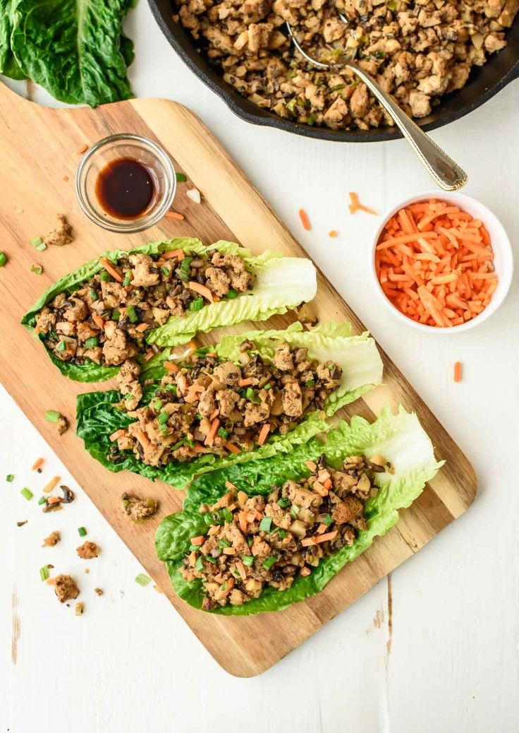 Healthy Vegetarian Lettuce Wraps that taste exactly like the PF Changs lettuce wraps! @wellplated