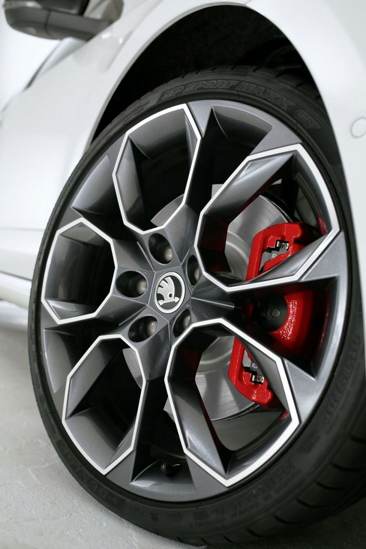 2014-Skoda-Octavia-RS-White-Wheel-View-945x1417.jpg (945×1417)