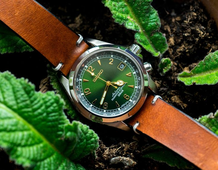 Gorgeous green dial on the Seiko Alpinist SARB017.