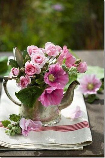.: Pink Flowers, Flowers Arrangements, Teas Pots, Silver Teapots, Fresh Flowers, Gardens Parties, Floral, Teas Kettles, Teas Parties