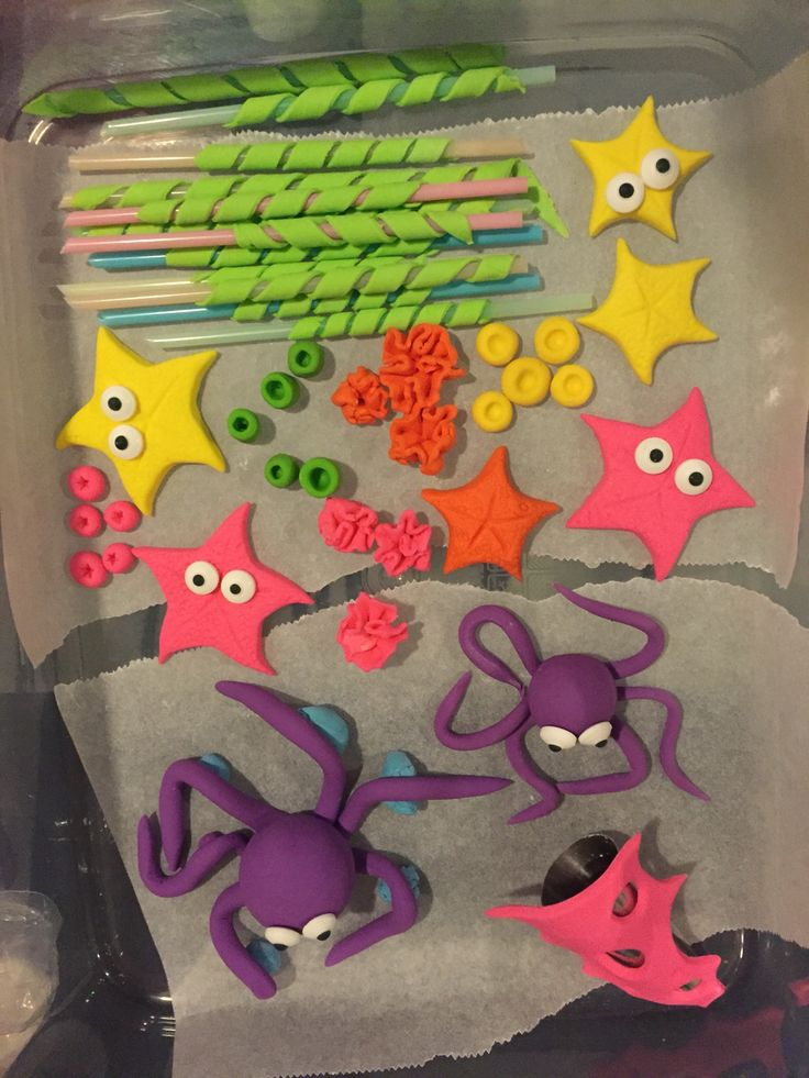 Fondant sea creatures  My cupcake addiction has a detailed tutorial on these
