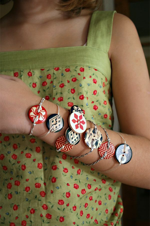 Cute and easy button bracelets Cosmo Cricket