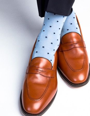 These fine men's dress socks are made with an exceptionally soft mercerized cotton. Expertly knitted at a third-generation North Carolina mill, these fashionabl