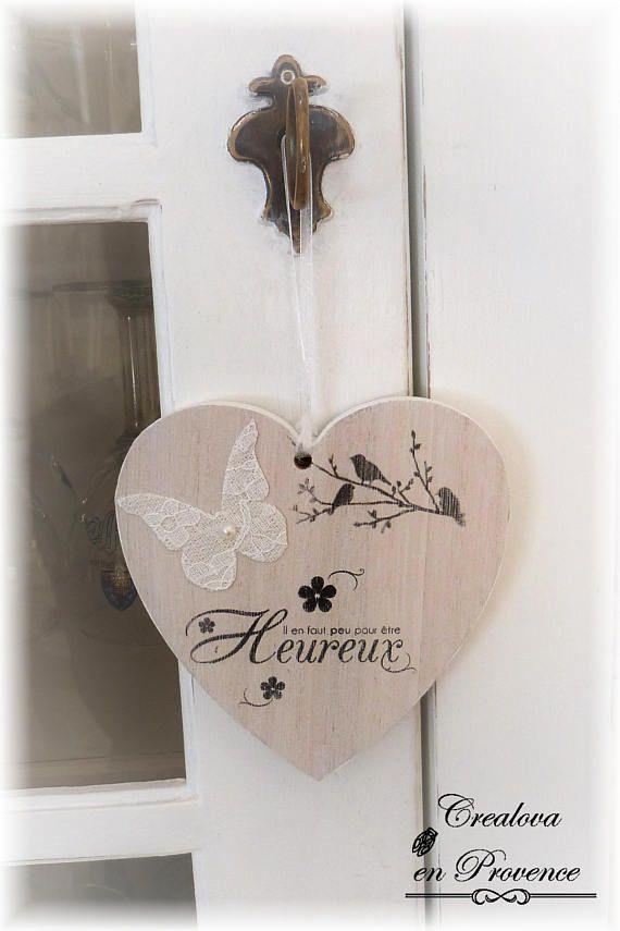 Plaque de porte Coeur en bois cérusé et son papillon Il