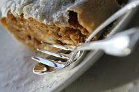 De echte authentieke Apfelstrudel     Ga eens zoeken naar een recept voor apfelstrudel en je vindt de meest bizarre variaties:   *De ...