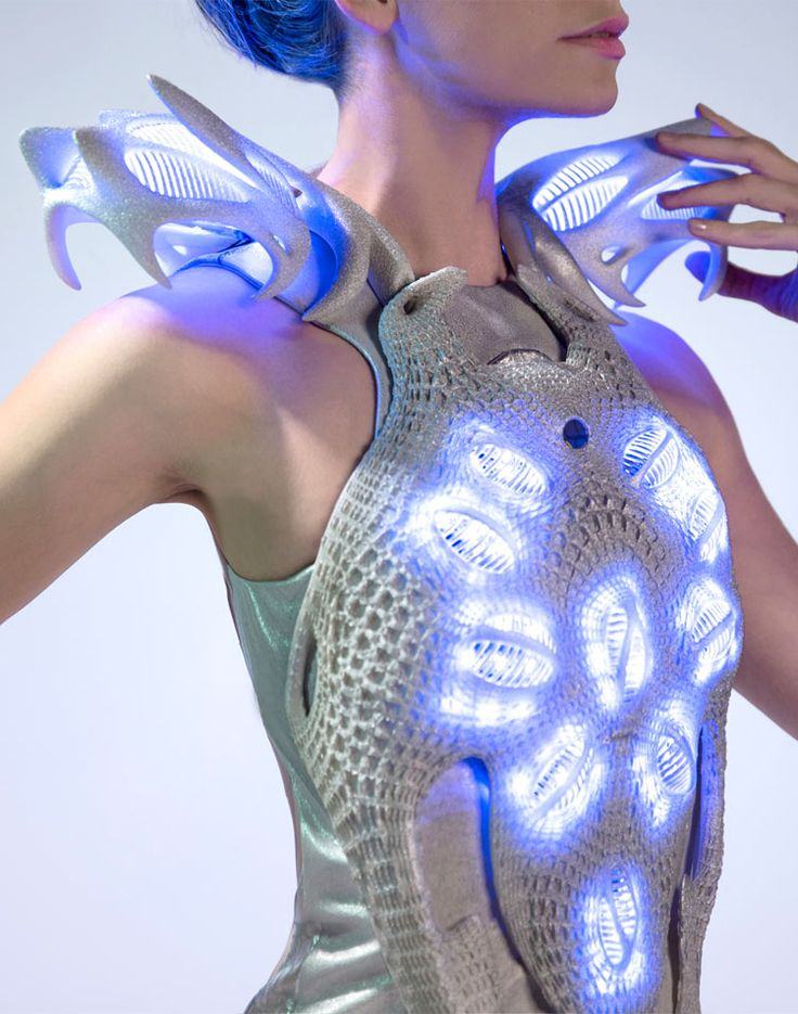 Created by Anouk Wipprecht, the Synapse dress reacts to bio signals and translates them into light.