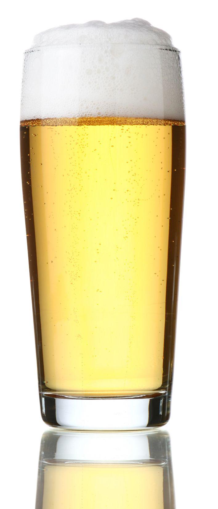 Design ideal para copo de cerveja em vidro que possibilita melhor aproveitamento da bebida.    Os copos desenhados para servir cerveja são aqueles com a boca um pouco mais larga do que a base, essa estrutura ajuda a formar a quantidade correta de espuma, que serve para manter a cerveja gelada por mais tempo.