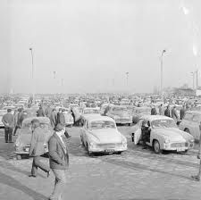 auto auction in Warsaw 1970's foto. Grazyna Rutowska