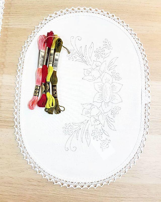 ودن Wdn Art ادوات التطريز متوفرة في المتجر الرابط في بايو الانستغرام اضغطي على الصورة للانتقال السريع Embroidery تطريز Dmc Tableware Plates
