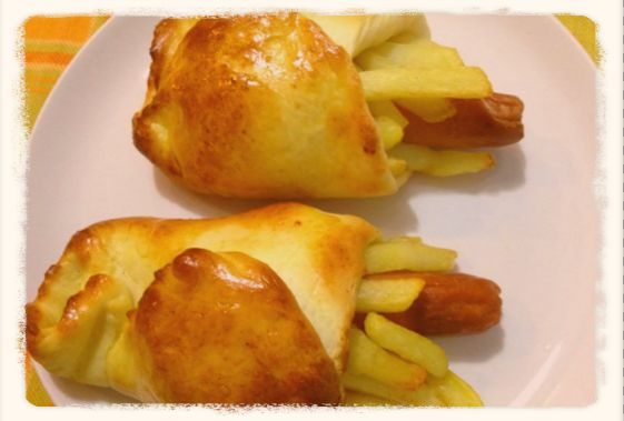 La+golosa+ricetta+dei+fagottini+con+patatine,+formaggio+filante+e+wurstel