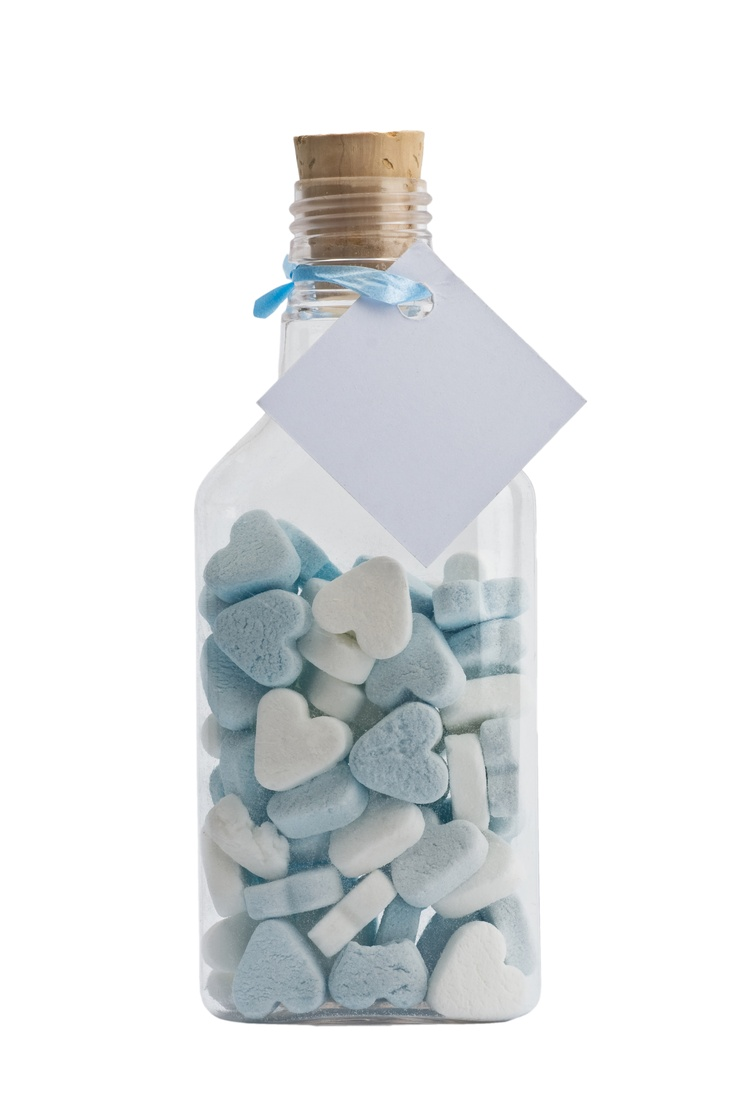Flessenpost geboortebedankjes.   Gebotteld met wit/blauwe hartjes (Jamin).   Kaartje 4x4 cm + lint + jouw unieke tekst.     Zelf maken of laten maken.
