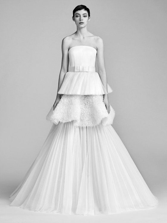Textural Tulle Tier Gown Viktor And Rolf Suknie ślubne Odcinane